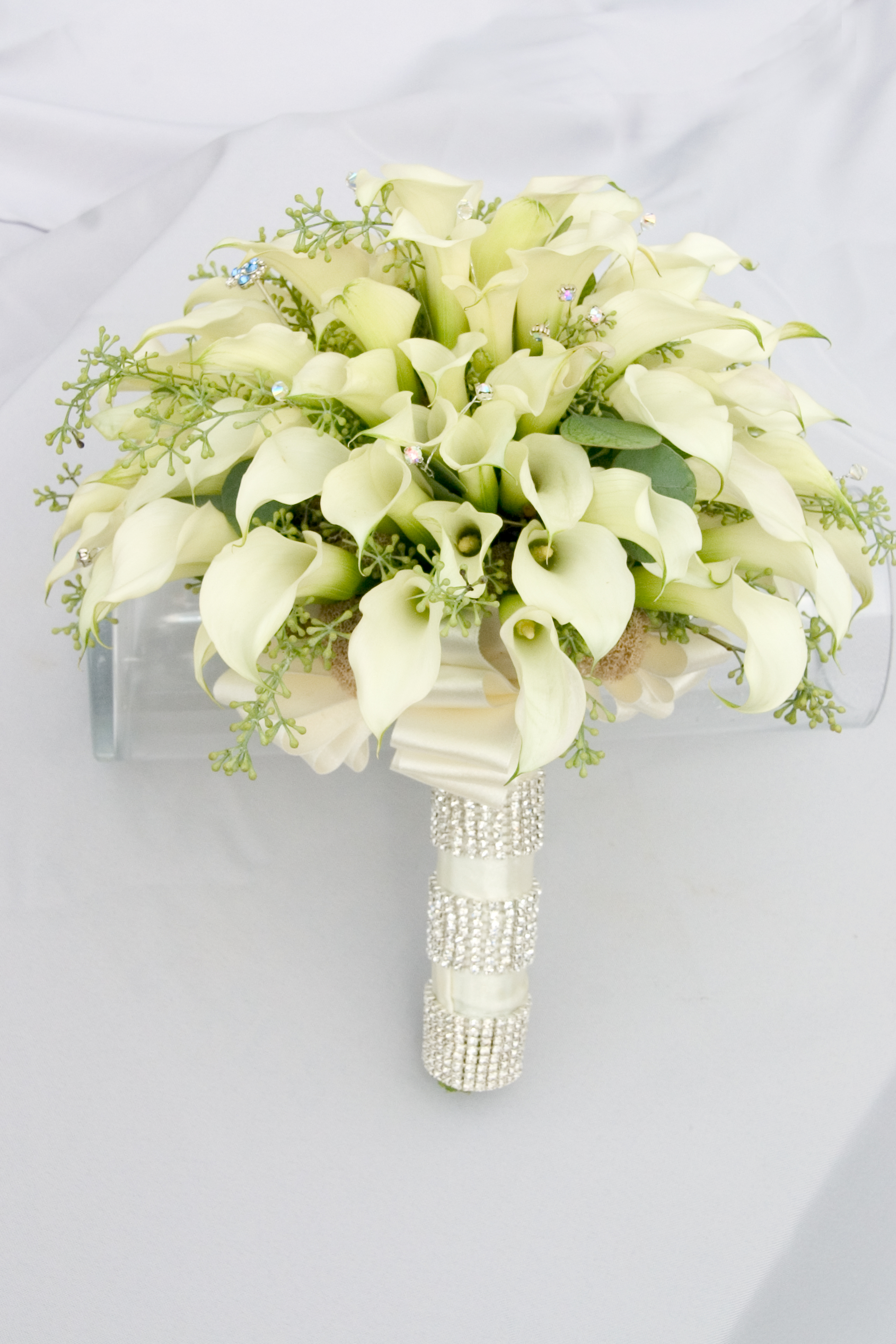 A White Bling Wedding Floral Design By Jacqueline Ahnes Blog
