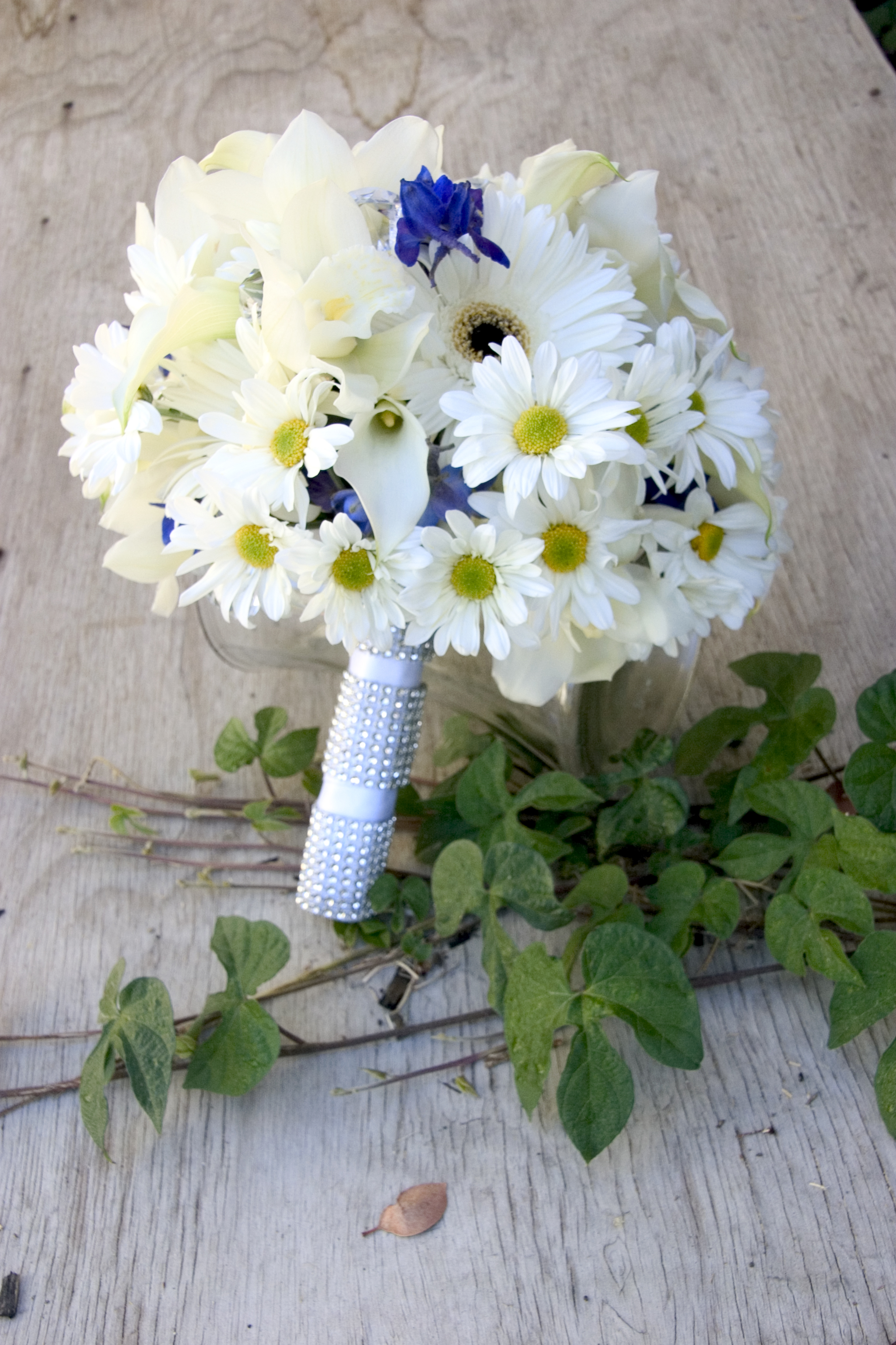 Wedding Flowers With Daisies : Moved permanently